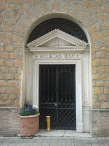 La Cappella del Cimitero Verano di Roma dove i corpi dei due professori attendono la resurrezione della carne
