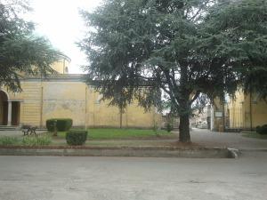 L'esterno del Cimitero di Borgonovo